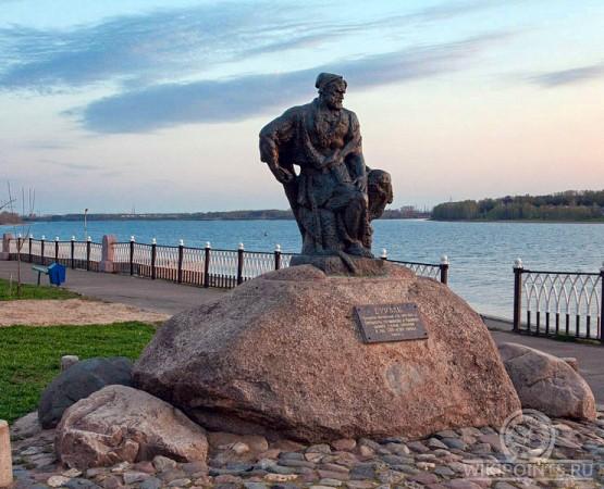 Памятники рыбинск купить памятник ростов алчевск